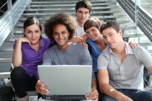 Offre particulier_Etudiants, jeunes diplômés : les bons mots et les bons gestes, la bonne image pour démarrer avec aisance sa vie professionnelle