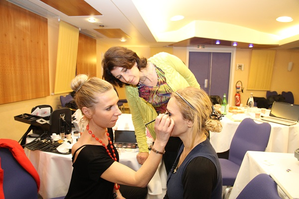 Consseil en image-Formation : cours de maquillage collectif